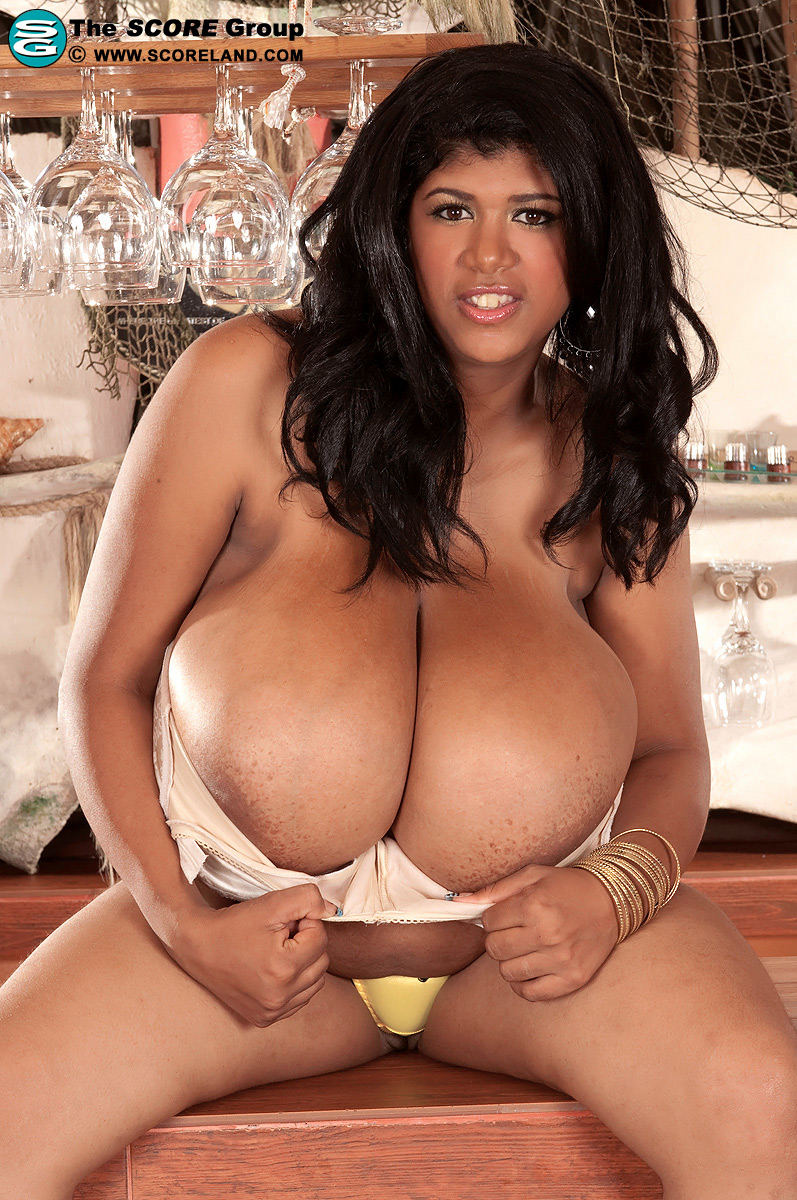 Milky Jugs Mom - N