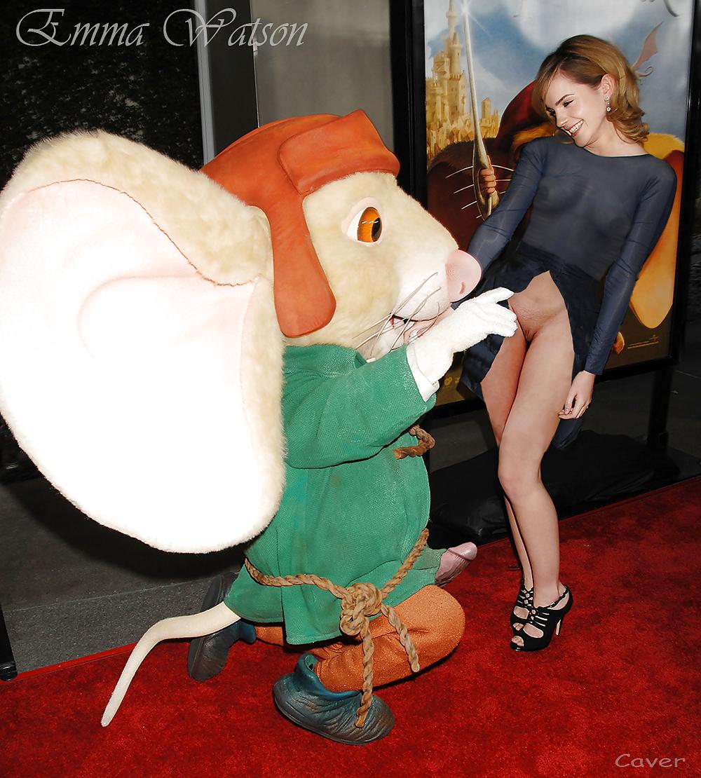 Celebrity Emma Watson Fake? - N