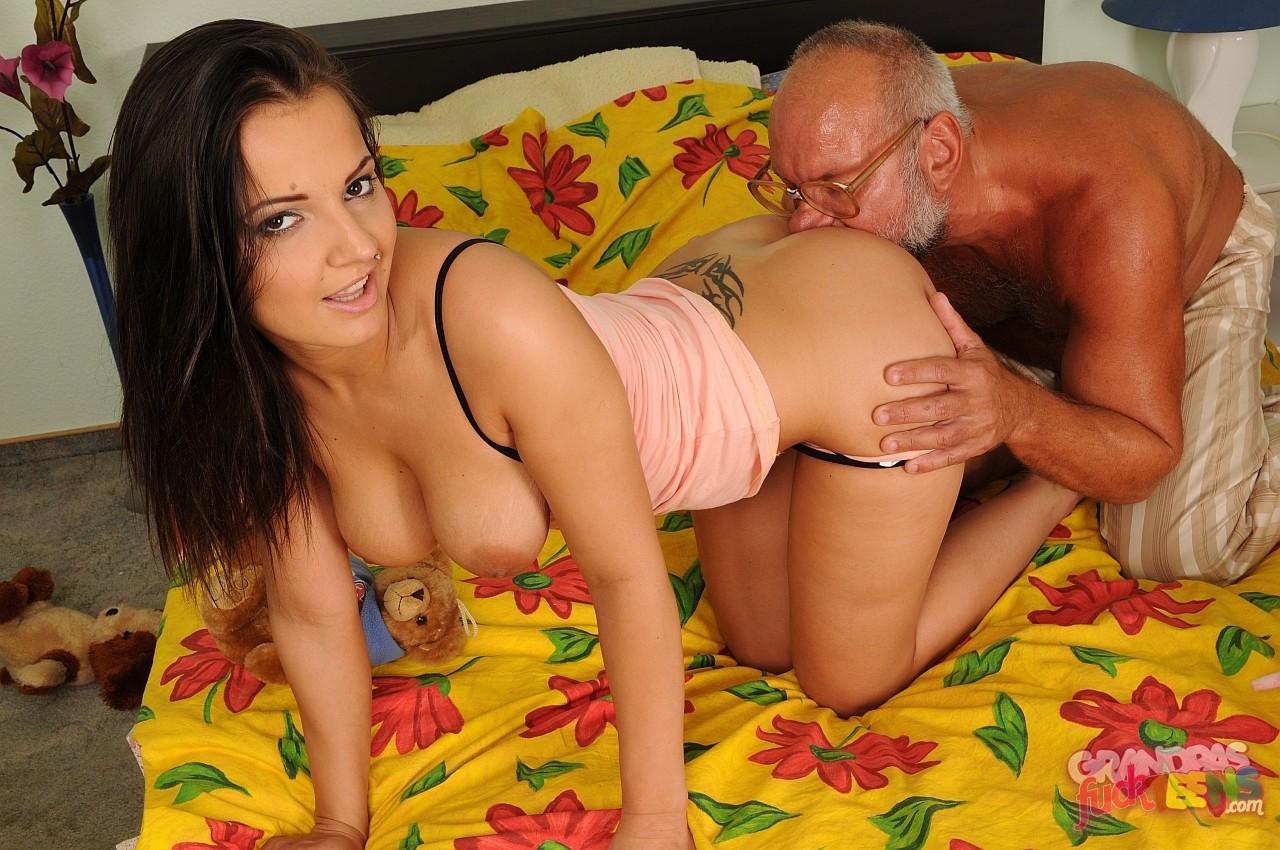 порно дед делает куни