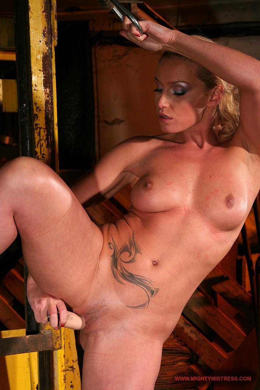 Секс во дворце порно 19 фотография