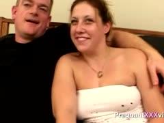 amateur-fucks-his-pregnant-wife