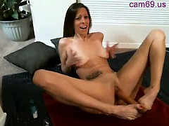 webcam-slut-masturbate-and-squirt