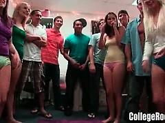 amateur-college-girls-go-wild-dorm-party
