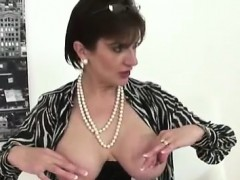 busty-mature-lady-sonia-poses