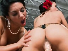 Round arse Rachel Starr and Bella Reese