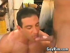 bodybuilder-fucked-in-the-ass