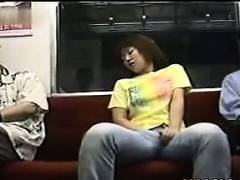 japanese-girl-masturbating-on-the-subway