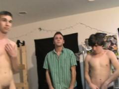 amateur-twinks-wrestle-nude