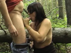 dogging-wife-sucks-off-many-guys-in-the-woods