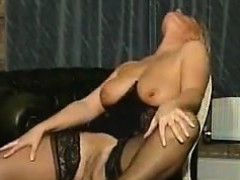 lonely-milf-in-lingereie