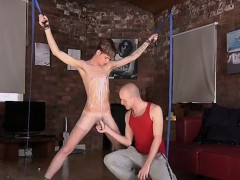 gay-video-kieron-knight-loves-to-deep-throat-the-red-hot-spu