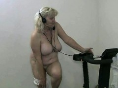 naked-sexy-workout-by-this-hot-granny-part1