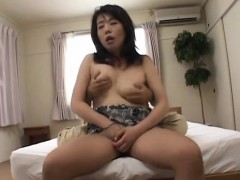 sexy-mature-is-in-for-a-treat