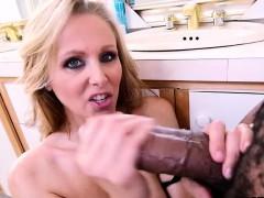 julia-ann-likes-big-black-cock
