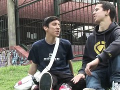 young-gay-dates-hurry-home-to-get-laid