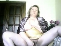 granny housewife sonja dildoing at home granny sex movies