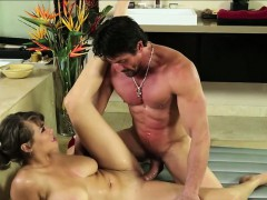Sexy Brunette Cassidy Banks Relieves Tommy Gunss Stress