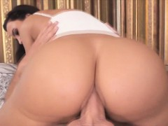 horny-chick-lisa-ann-loves-a-cock-for-her-ass