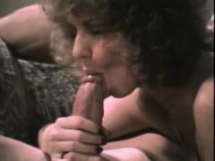 john-holmes-big-cock-stud-gives-porn-slut-anal-sex