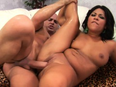 hot-asian-lass-with-meat-on-her-wais-gets-railed