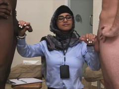 hottie-babe-mia-khalifa-massive-huge-dick
