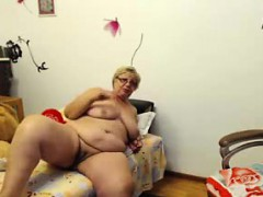 webcam-fun-busty-bbw-granny-chrissy