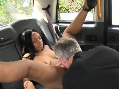 naked-black-woman-fucked-by-horny-driver-in-london-taxi