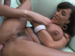 sexy-lisa-ann-having-her-pussy-get-licked