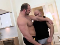 muscle-bear-gets-facial