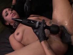 mistress-fingers-slave