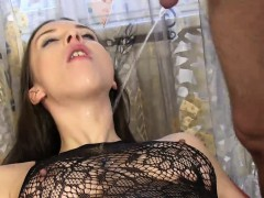 dark-haired-amateur-in-pantyhose-sucks-the-piss-from-her