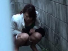 heeled-japanese-ho-pisses
