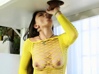 Alexis Rodriguez sucks off her clients cock under the table