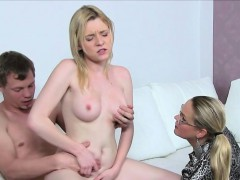 blonde-female-agent-interviews-couple