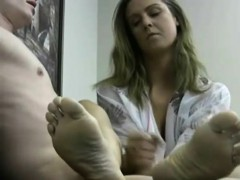 unload by watching swedish woman feet