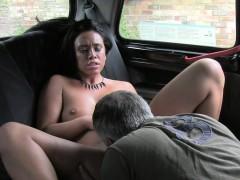 uk-beauty-bangs-in-fake-taxi