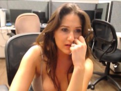 girl-chat-sex-at-office