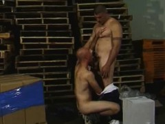 warehouse-blowjobs-with-these-muscled-hunks
