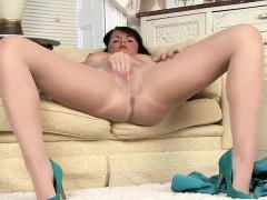 Pantyhose Cunt Rubbing Brunette