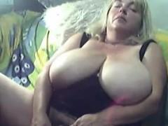 busty-blonde-bbw-masturbates