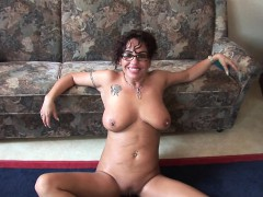 grandma-with-glasses-masturbates-and-sucks-cock