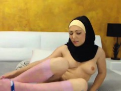cute-arabic-camgirl-masturbating-on-webcam-and-dress-of