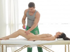 Nasty Gal Loves Kinky Style Of Massage Mixed With Sex