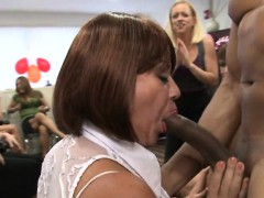 muscular-stirpper-is-letting-horny-chicks-suck-his-dong