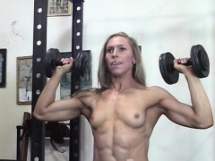 lithe-denise-works-it-in-the-shemuscle-gym