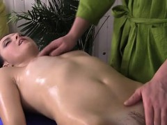 hot-chick-gets-massaged-and-fingered-by-masseur