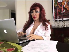 sexy-vanessa-secretary-gets-off-at-desk
