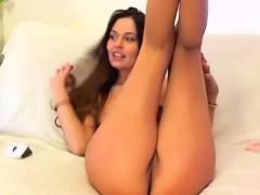 tall-busty-brunette-webcam-teasing