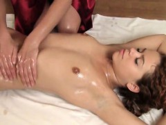 sultry-cutie-spreads-narrow-cunt-and-loses-virginity