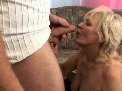 european-nanny-having-porno